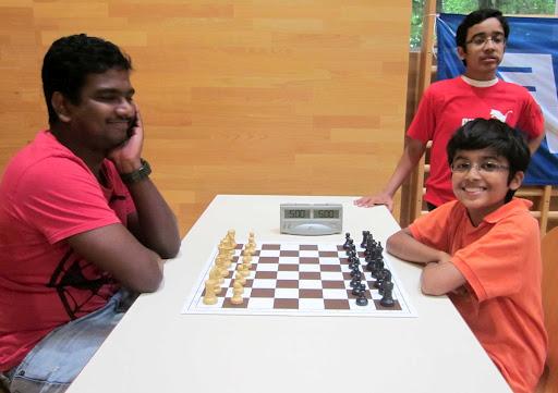 akshatchandra.com ~ Getting ready to play blitz - the genial GM Magesh vs Akshat.