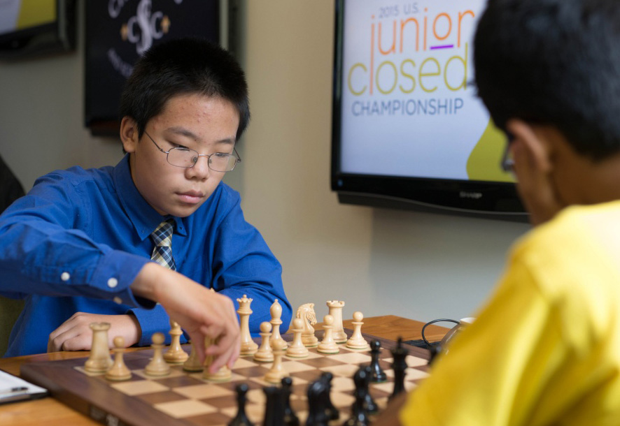 Ruifeng Li playing Akshat Chandra in Round 5
